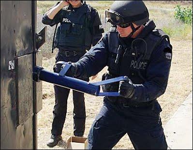 https://sites.google.com/a/stracktactical.com/strack-tactical-solutions/brands/broco/enforcer-door-rams